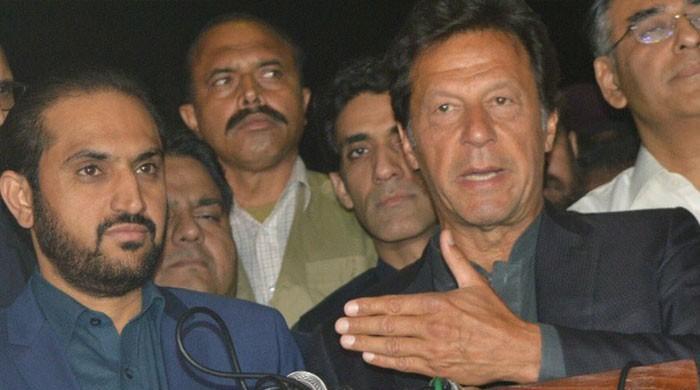 سینیٹ چیئرمین شپ: عمران خان نے اپنے 13 ارکان وزیراعلیٰ بلوچستان کی جھولی میں ڈال دیے