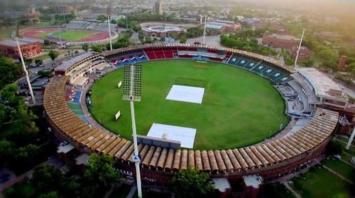 قذافی اسٹیڈیم میزبانی کیلئے تیار: پشاور اور کوئٹہ کی ٹیمیں آج مدمقابل ہوں گی