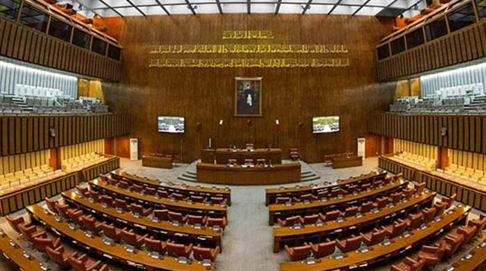 سینیٹ انتخابات میں پیسے کا استعمال، تحریک انصاف کے اپنوں نے بھانڈا پھوڑ دیا