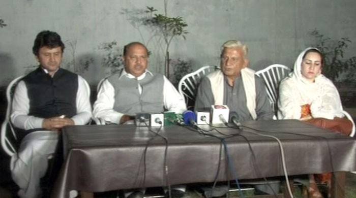 تحریک انصاف کے 4 ایم پی ایز کی عمران خان کو وارننگ