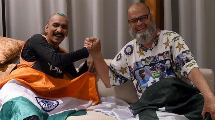 'دوستی کی کوئی سرحد نہیں'، پاک بھارت کرکٹ مداحوں نے ثابت کردیا