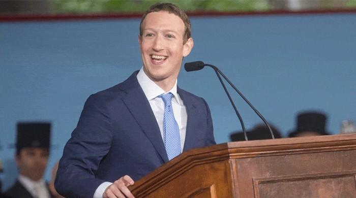 مارک زکربرگ کا فیس بک ملازمین کو آئی فون سے اینڈرائڈ پرمنتقل ہونے کا مشورہ