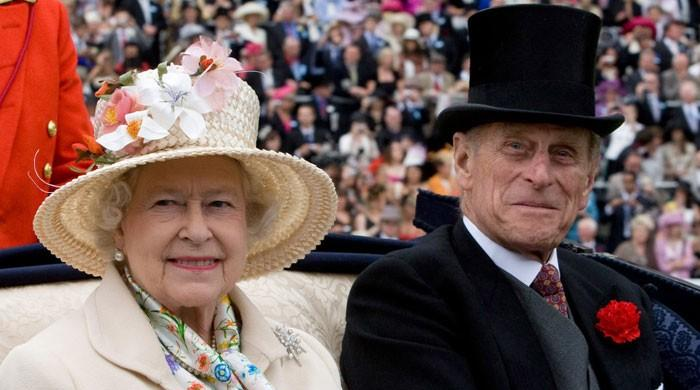 کرکٹ چیمپیئن بننے پر ملکہ برطانیہ اور شہزادہ فلپ کی انگلش ٹیم کو مبارکباد