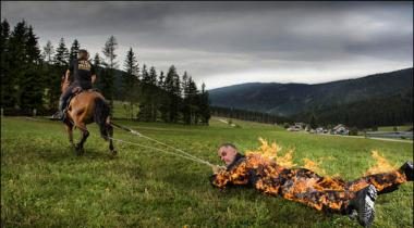 Austrian Man To Fire The Rope Record Holding Drag