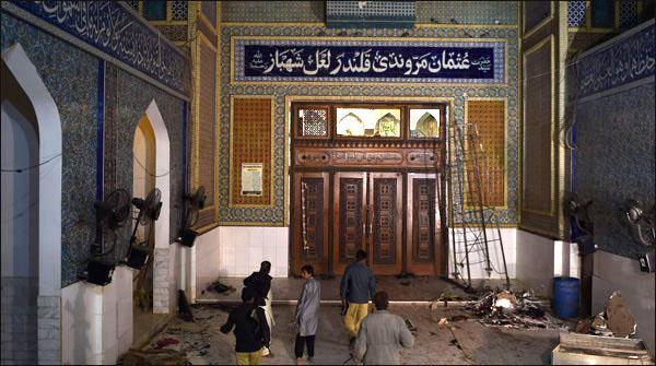 Lal Shahbaz Qalander Kay Mazar Main Khud Kash Hamlay Kay Waqt Nijli Nahi Thi