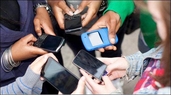 سوشل میڈیا کا زیادہ استعمال دماغی توازن کیلئے خطرناک ہوسکتا ہے