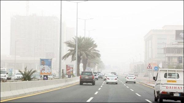 سعودی عرب کے کئی شہر غبار آلود موسم کی لپیٹ میں
