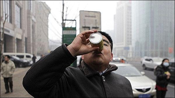 چین میں تازہ ہوا سے بھری بوتلوں کی فروخت