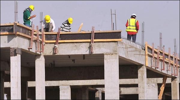 سعودی عرب کا غیرملکی مزدور کم، مقامی کوٹہ بڑھانے کا فیصلہ