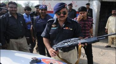 6 Criminals Arrested And Huge Weapons Cache Found In Raids And Operation In Areas Of Karachi