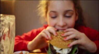 Girl Eaten 10 Burger In Few Second