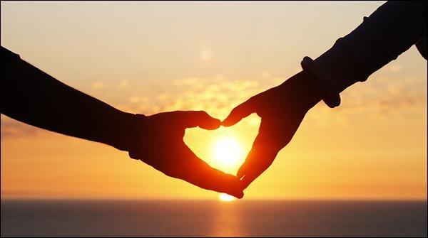 محبت، حقیقت یا حماقت!