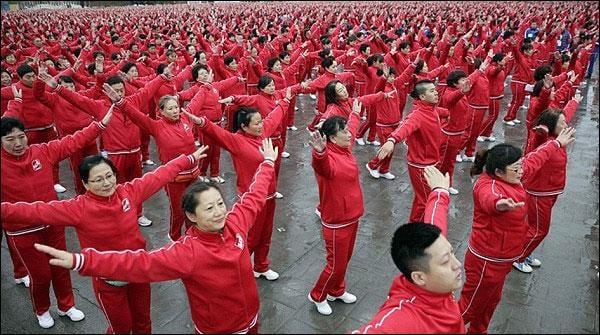 چین : 13ہزار افراد کا روایتی رقص، عالمی ریکارڈ قائم