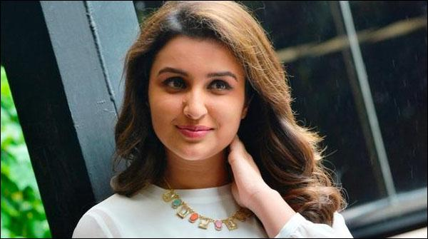 Bollywood Adakara Parineeti Chopra Singer Ban Gaen