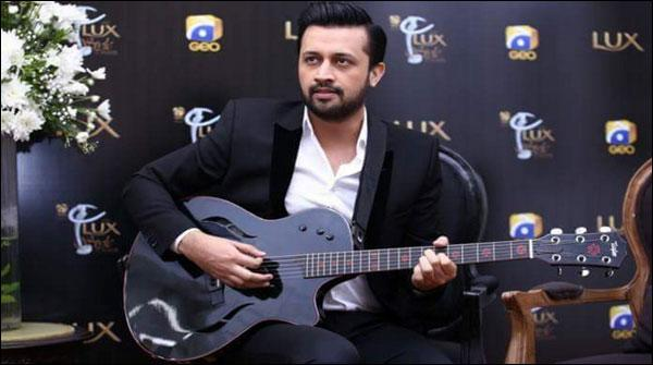 Atif Aslam Ki Nae Geet Kay Saath Bollywood Main Wapsi