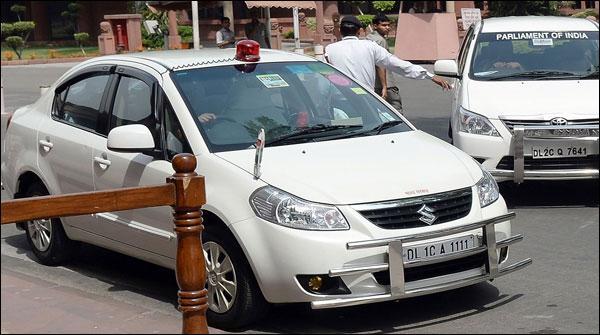 بھارت: اہم شخصیات کی گاڑیوں پر ہوٹرز لگانے پر پابندی