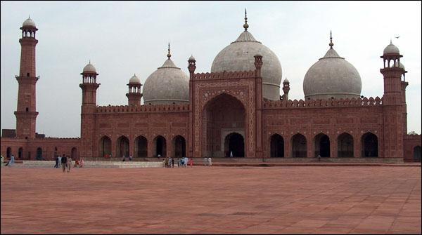 لاہوراورگردونواح میں تیزہوائیں، گرمی کا زور کم