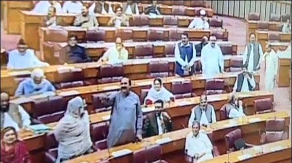 سینیٹ اور قومی اسمبلی کا اجلاس، وزیر اعظم سے استعفیٰ کا مطالبہ