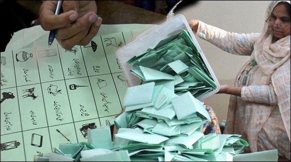 کراچی کون جیتے گا؟