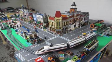 Canada Mae Hazaron Lego Bricks Se Tyar Herat Angez Lego City