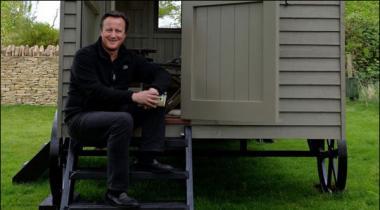 Britain David Cameron Ney Yadasht Muratab Karney Ki Tayyari Mukamal Karli