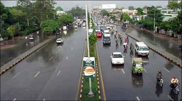 Lahore Mae Barish Aur Hawaoon Se Mausam Khushgawar