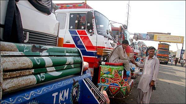 Goods Transporters Ki Hartal Bandar Gahon Par Gunjaish Khatam