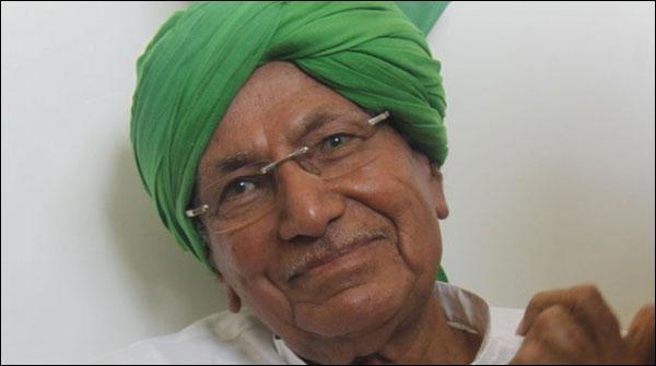 بھارت: 82سالہ سابق وزیراعلیٰ نے 12ویں پاس کرلی