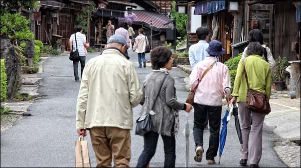 جاپان میں شرح پیدائش میں تیزی سے کمی