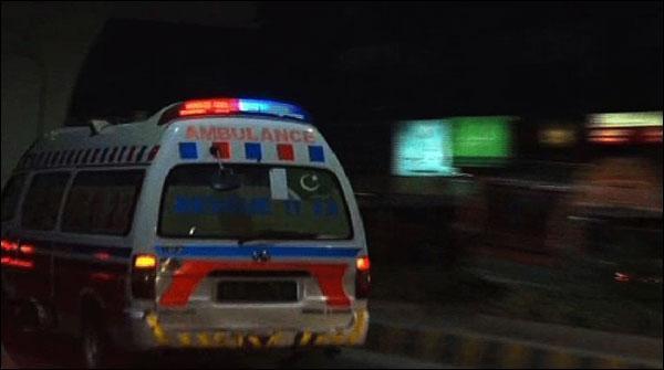 لاہور: دیوار گرگئی، 3 جاں بحق، نوشہرہ: دو بہنوں نے خودکشی کرلی