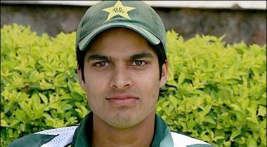 Test Cricketer Umar Amin Ka Bouqi Say Rabtay Ka Aitiraaf