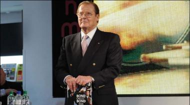 Aalmi Shuhrat Yafta Roger Moore Ka 89 Sal Ki Umer Mein Inteqal