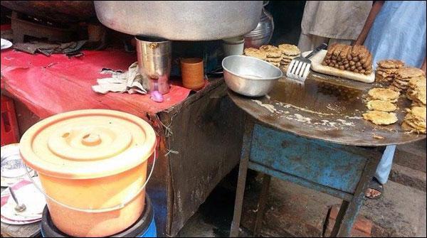 لاہور: ناقص صفائی پر فاسٹ فوڈ ریسٹورنٹ پر 2 لاکھ روپے جرمانہ
