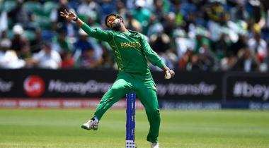 Imad Wasim Surges To Top Spot In Icc T20i Bowlers Rankings