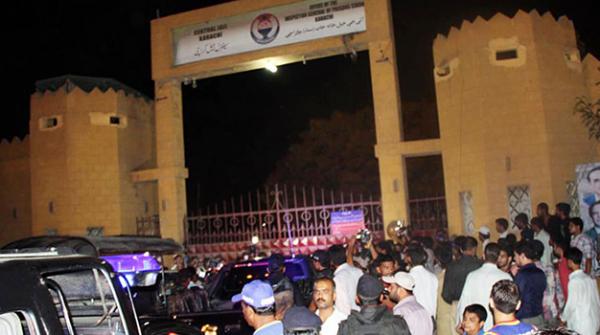 سینٹرل جیل کراچی کے انتظامات پولیس نہیں قیدی چلاتے ہیں