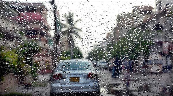 Karachi Mein Barish Ka Silsila Waqfay Waqfay Say Jaari Hai