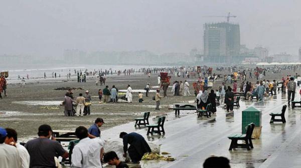 سہانے موسم میں کراچی کے اہم ترین تفریحی مراکز