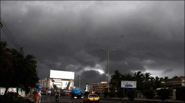 کراچی میں رات گئے گرج چمک کے ساتھ بارش کا امکان