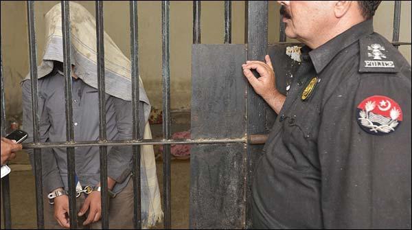 Karachi Machar Colony Se 2 Khawateen Samet 3 Manshiyat Farosh Giriftar