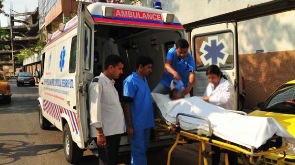 بھارت میں نوجوان نے گھر سے باہر نہ آنے لڑکی کو جلادیا