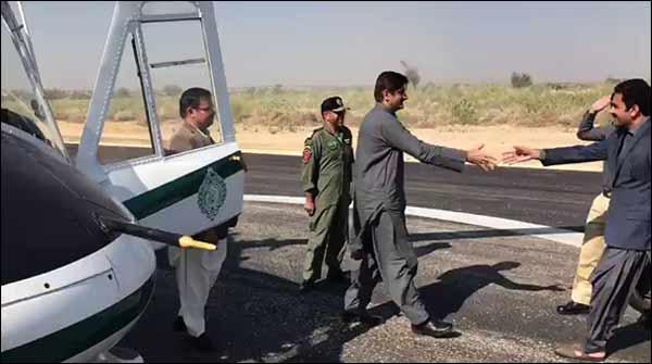 تھر کےنئے ائرپورٹ پر وزیراعلیٰ کے طیارے کی لینڈنگ