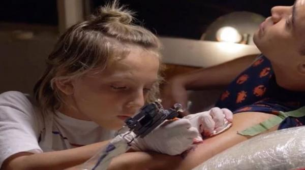 جسم پر ٹیٹوز بنانے کا ماہر 12 سالہ فن کار