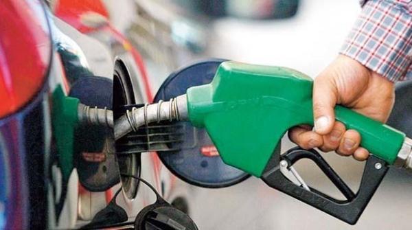 حکومت نے پیٹرول اور ڈیزل کی قیمتوں میں کمی کا اعلان کردیا