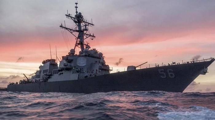 امریکی بحری بیڑا سمندر میں حادثے کا شکار، 10 فوجی لاپتہ