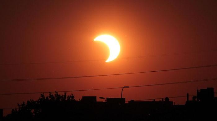 امریکا میں 100 سال بعد پہلا مکمل سورج گرہن
