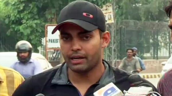 عمر اکمل نے پی سی بی کو شوکاز نوٹس کا جواب جمع کرادیا