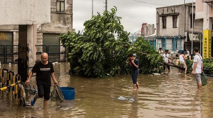 چین میں 'ہیٹو' نامی طوفان نے تباہی مچا دی، 12 افراد ہلاک