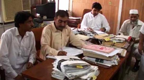 حکومت کا وفاقی ملازمین کو عید سے قبل تنخواہ دینے کا فیصلہ