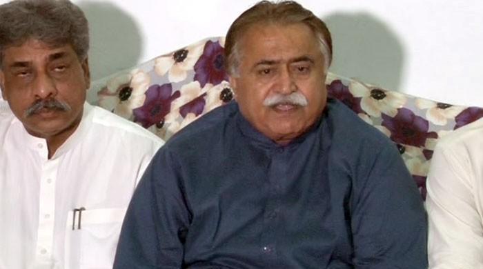 عمران خان نوجوان نہیں بزرگ سیاستدان ہیں، مولا بخش چانڈیو