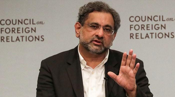 وزیراعظم شاہد خاقان عباسی ٹائی کیوں نہیں پہنتے؟